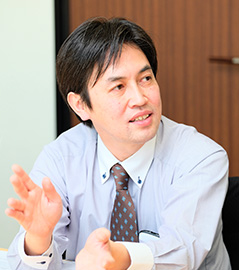 Web Design Department Director Takeshi Okada