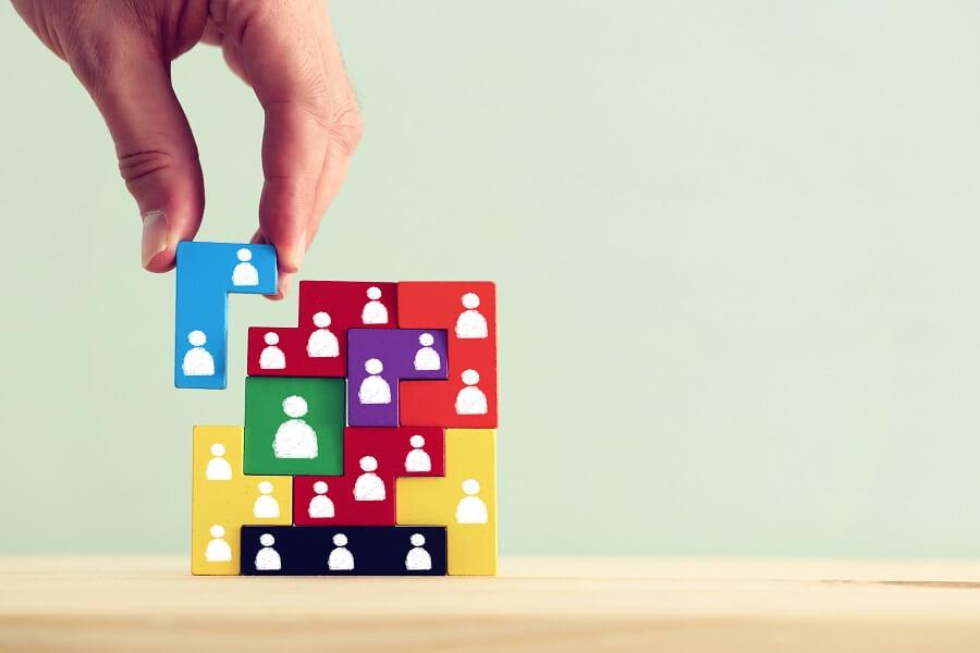 チームビルディングとは?目的やメリット、成果を出す組織を作るポイント