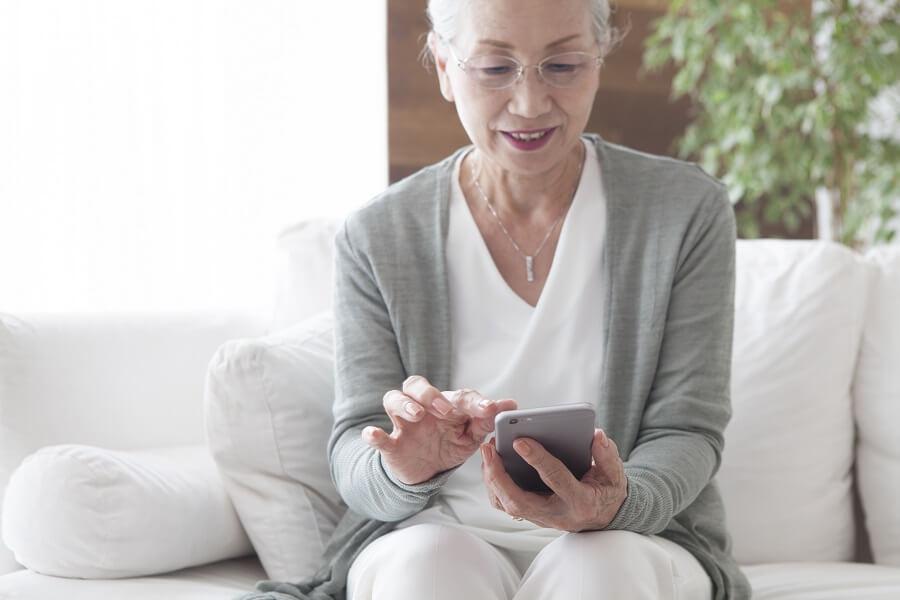 コンタクトセンターにおける高齢者への電話対応のポイントとは